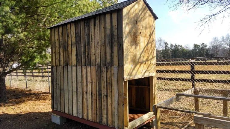 Pallet Coop Ideas Walk In Shed