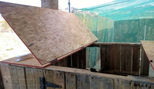 Pallet Coop Ideas Roof Access