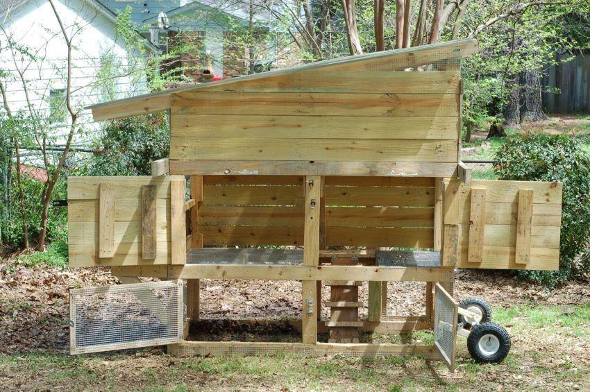 wood chicken coop